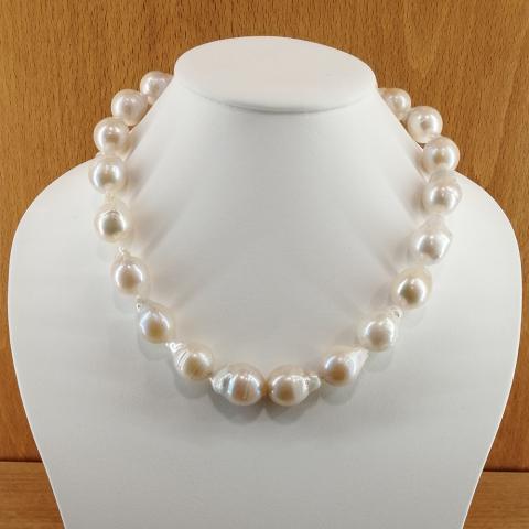 Collar de perlas cultivadas barrocas de 14-20 mm